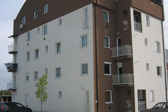 Stan, 3 sobe, 128 m2, 51.000 €  Tozino Voce, Mladenovac